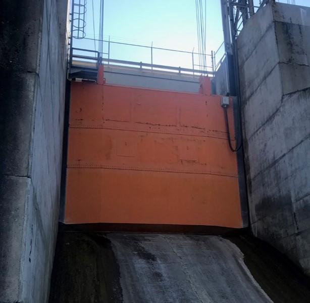 Dickson Dam Gate Replacement - Painting